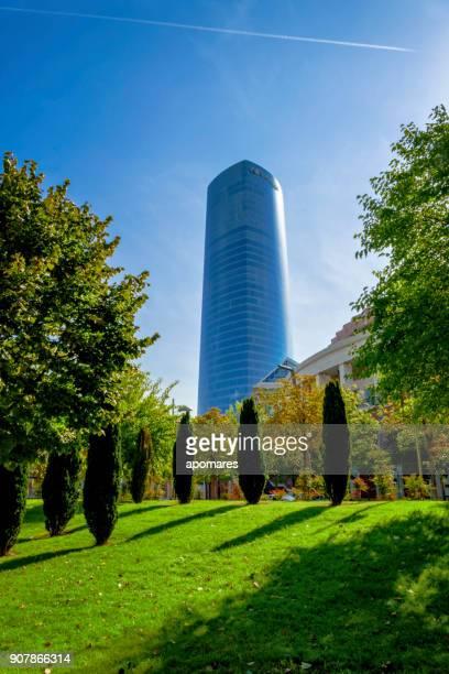 Torre Iberdrola, un rascacielos de oficinas en Bilbao, España
