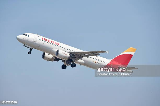 Iberia Airbus A320 takeoff