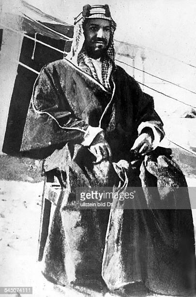 Ibn Saud Abd uelAziz*18801953Koenig von SaudiArabien Portrait um 1924