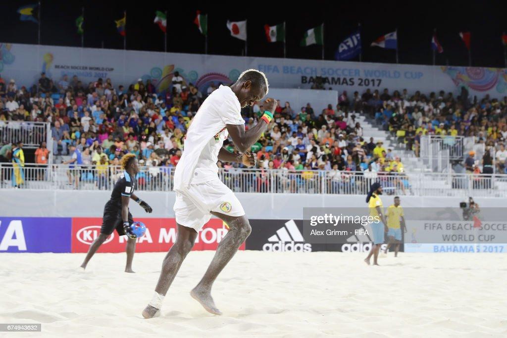 Senegal v Bahamas - FIFA Beach Soccer World Cup Bahamas 2017 : Fotografía de noticias