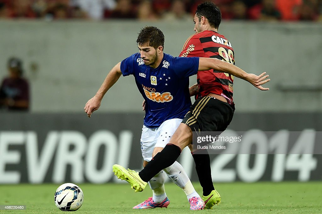 Sport Recife v Cruzeiro - Brasileirao Series A 2014 : News Photo