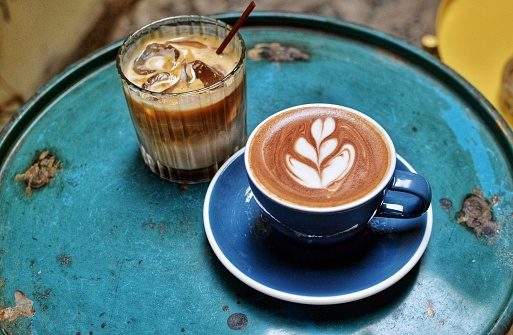 ice and hot cafe latte - gettyimageskorea