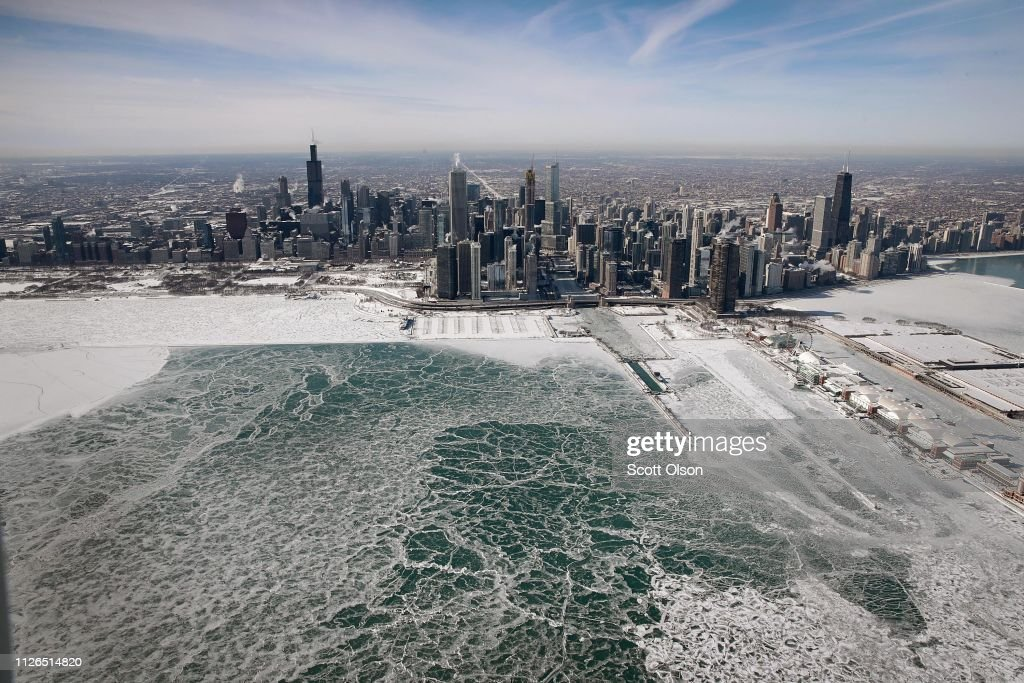 Polar Vortex Brings Extreme Cold Temperatures To Chicago : Fotografía de noticias