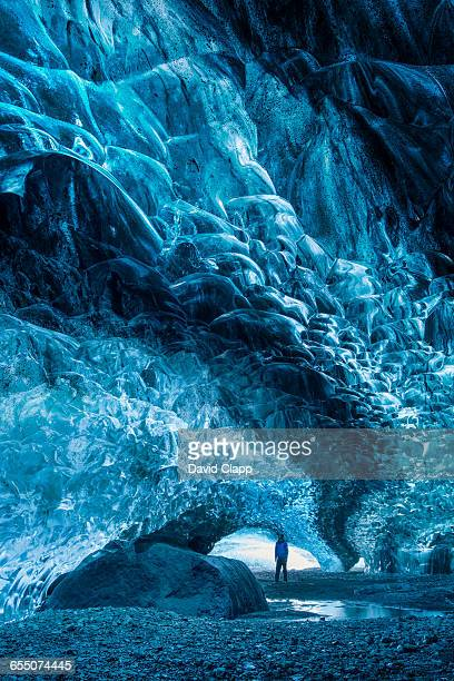 ice caves in the vatnajokull glacier in iceland - バトナ氷河 ストックフォトと画像