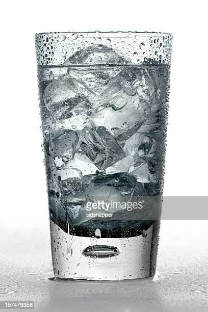 冷えたグラスソーダ