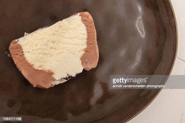 ice cream bûche - yule log stock pictures, royalty-free photos & images