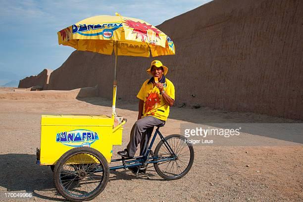 Ice cream cart outside Chan Chan ruins
