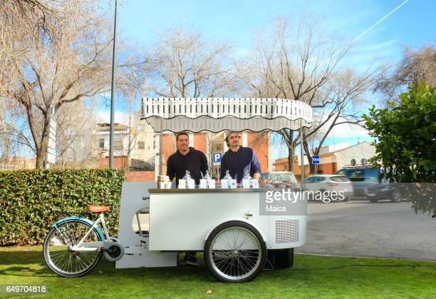 ice cream cart - market stall stock pictures, royalty-free photos & images