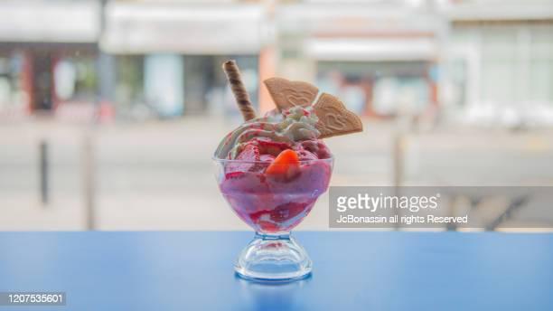 ice cream - jcbonassin stockfoto's en -beelden