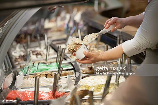 ice cream - ice cream parlour stock pictures, royalty-free photos & images