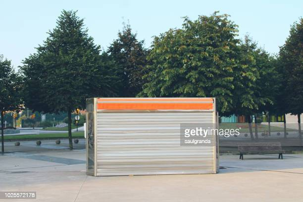 ice cream stand closed early in the morning - kiosk stock pictures, royalty-free photos & images