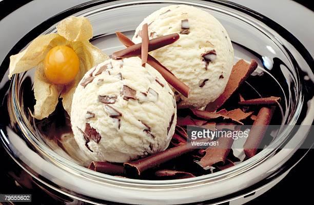 Ice cream Stracciatella with Physalis