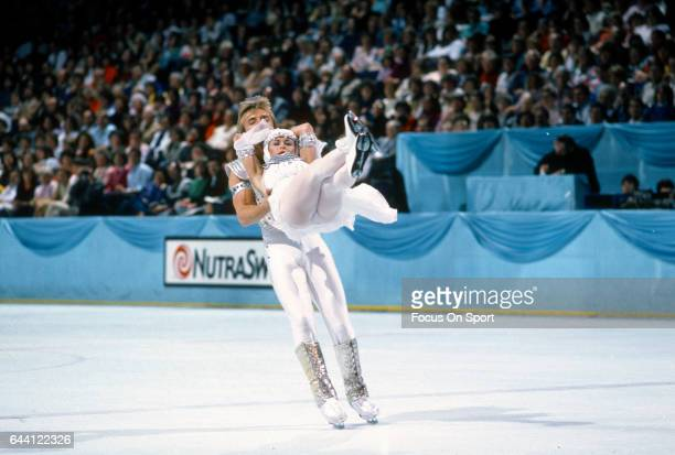 Ice Dancers Jayne Torvill and Christopher Dean of the United Kingdom competes in the 1985 World Figure Skating Championships circa 1985 at the Yoyogi...