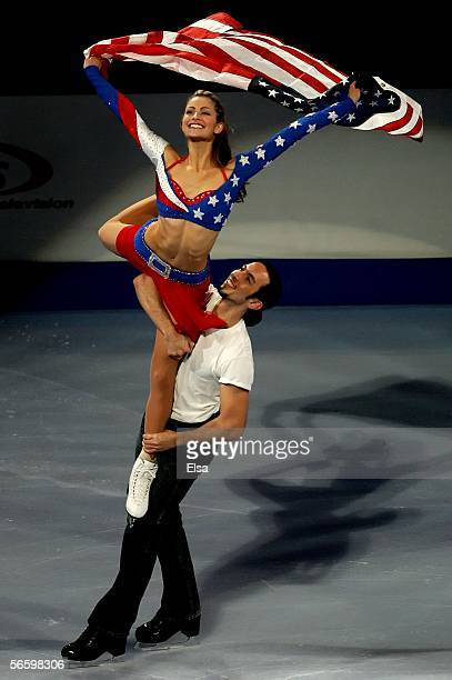 Ice dancers Tanith Belbin and Benjamin Agosto perform during the 2006 State Farm U.S. Figure Championships Exhibition at the Savvis Center on January...