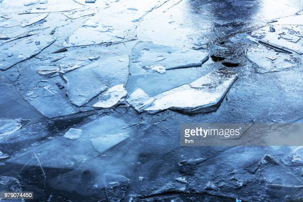 ice floes (brandenburg, germany) - drift ice stock pictures, royalty-free photos & images