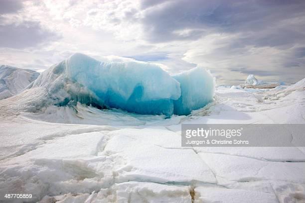 ice formation, devil island, weddell sea, antarctica - weddell sea fotografías e imágenes de stock