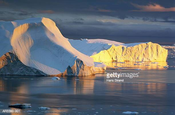 ice formations, disko bay, greenland - ice floe stock pictures, royalty-free photos & images
