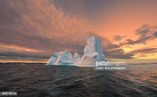 ice giant - iceberg stock-fotos und bilder