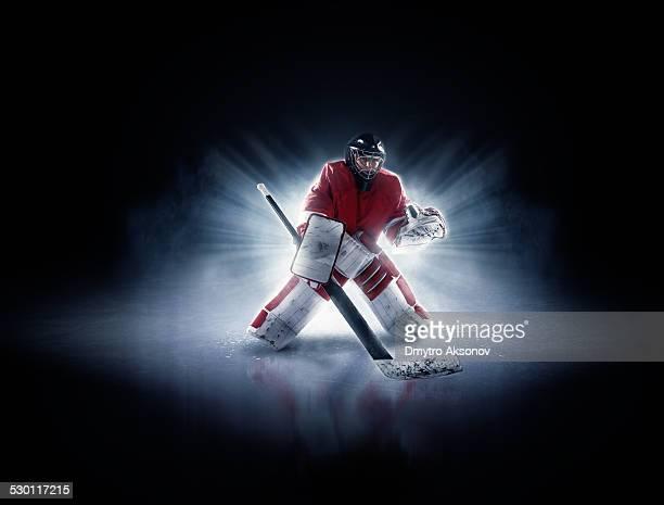 アイスホッケーゴールキーパー - アイスホッケー選手 ストックフォトと画像
