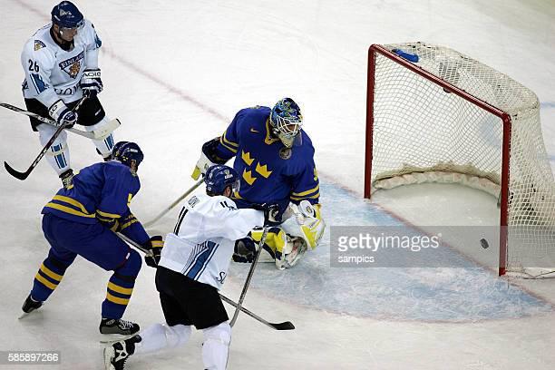 Finnland Schweden 23 Ice hockey men final Finland Sweden Saku KOIVU macht das 10 fr Finnland olympische Winterspiele in Turin 2006 olympic winter...