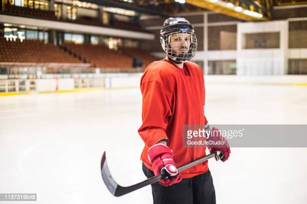 ice hockey player - hockey player stock pictures, royalty-free photos & images