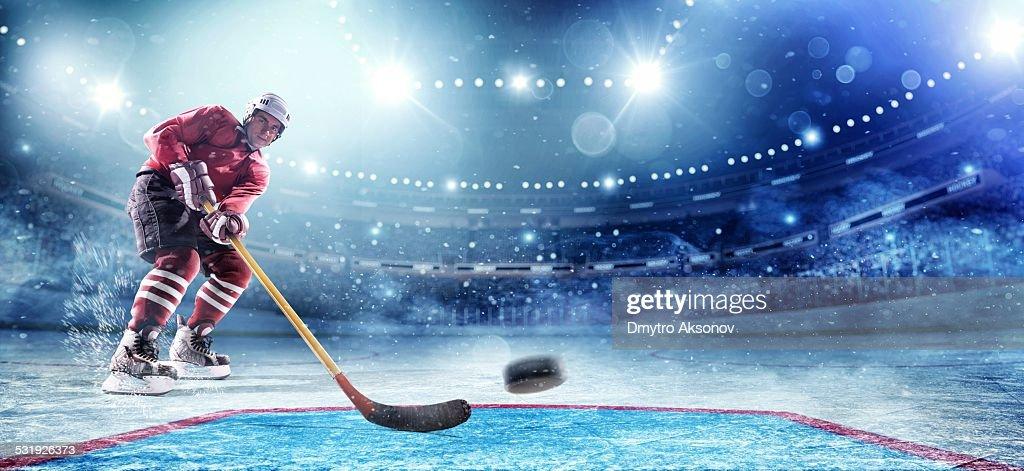 Ice Hockey Player Scoring : Stockfoto