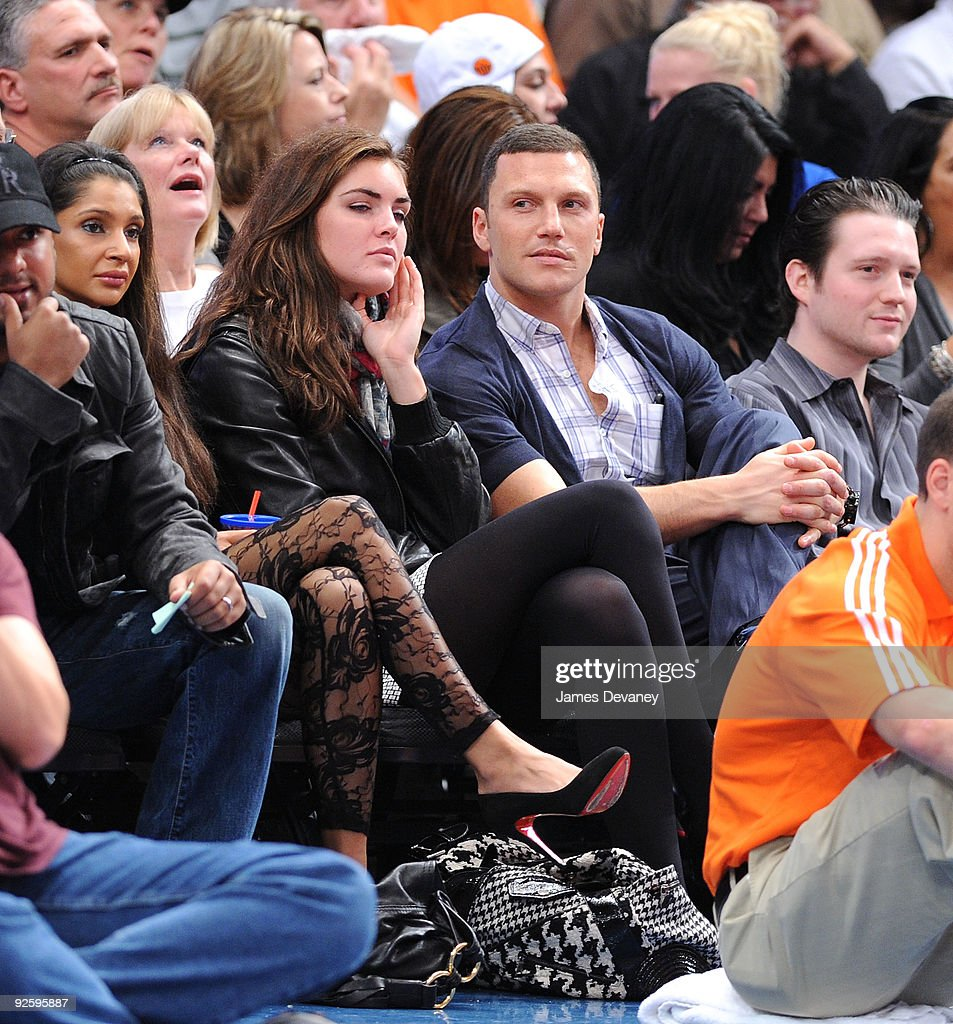 Celebrities Attend Philadelphia 76ers Vs New York Knicks - October 31, 2009