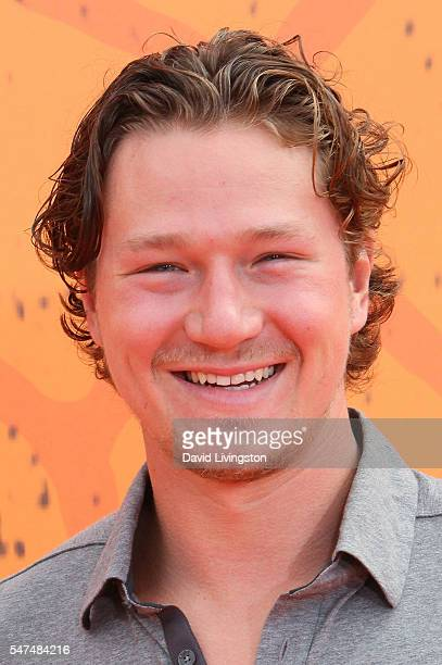 Ice hockey player Tyler Toffoli arrives at the Nickelodeon Kids' Choice Sports Awards 2016 at the UCLA's Pauley Pavilion on July 14, 2016 in...