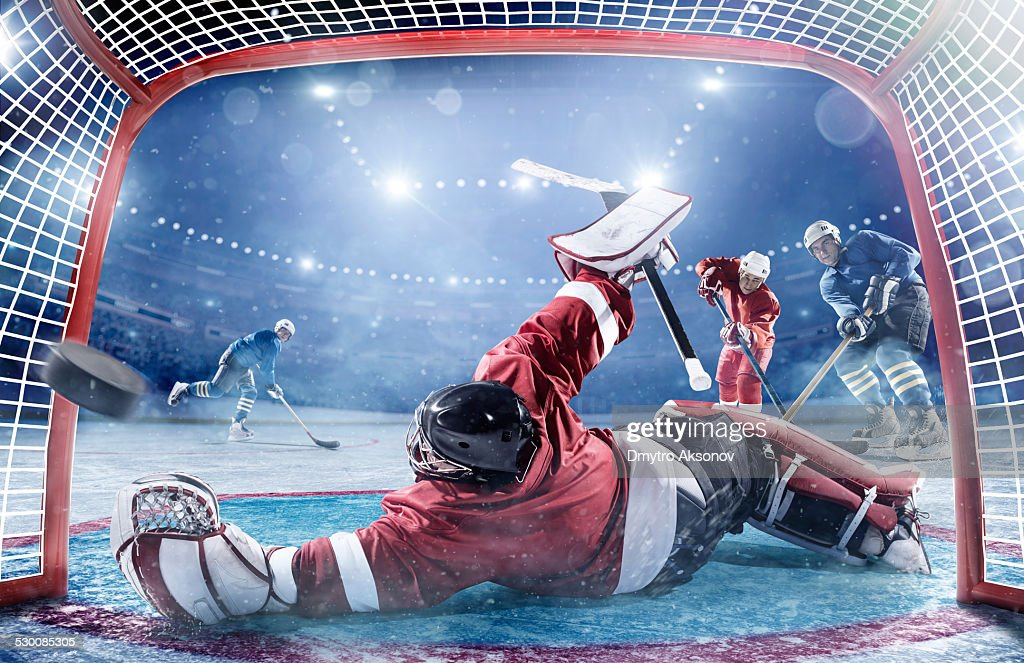Ice hockey players in action : Stockfoto