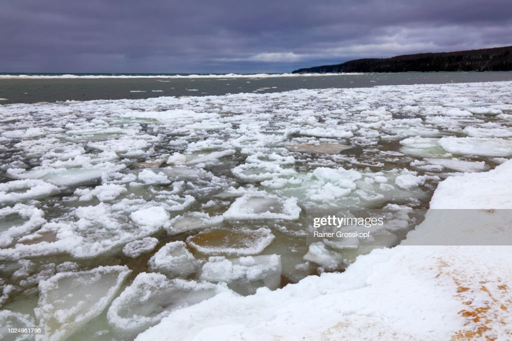 Ice on Lake Superior in Pictured Rocks National Lakeshore : Stock-Foto