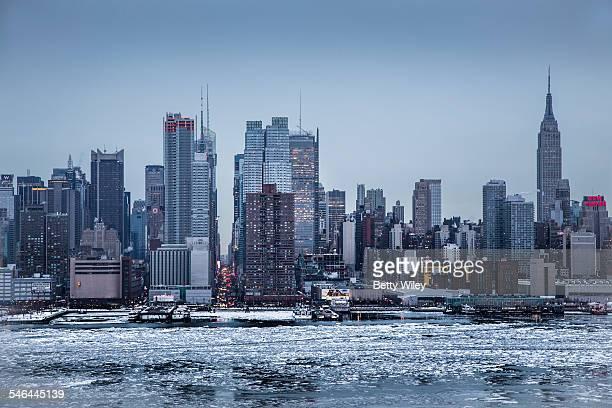 Ice on the Hudson River - NYC skyline