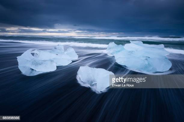 ice rocks - marée stock pictures, royalty-free photos & images