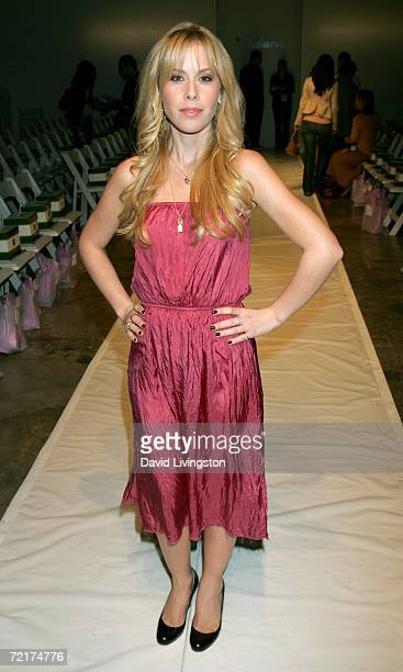 Ice skater Tara Lipinski poses in the front row at Balans Spring 2007 show during the Mercedes Benz Fashion Week at Smashbox Studios on October 15...