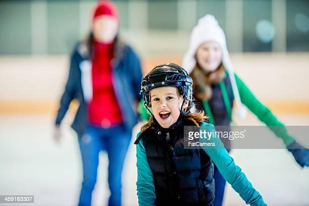 patinaje sobre hielo - patinar fotografías e imágenes de stock