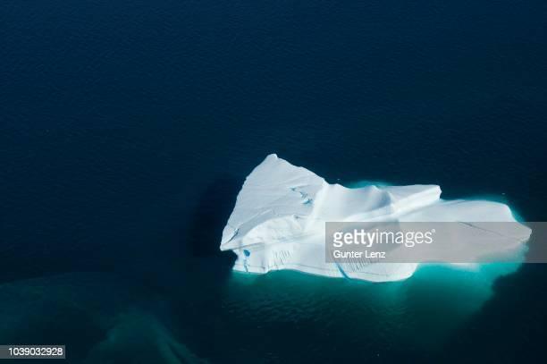 iceberg, aerial view, umanakfjord, umanak fjord, greenland - ghiaccio galleggiante foto e immagini stock