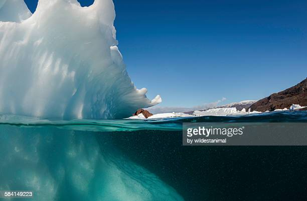 Iceberg and air bubbles