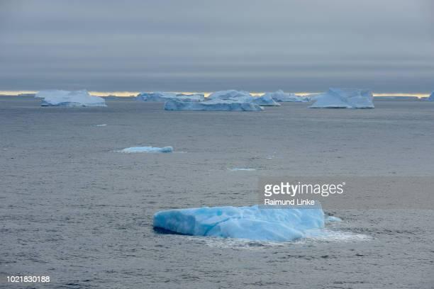 iceberg, antarctic sound, antarctic peninsula, antarctica - 南極海 ストックフォトと画像