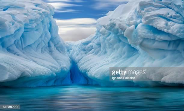iceberg, antarctica - iceberg ice formation ストックフォトと画像