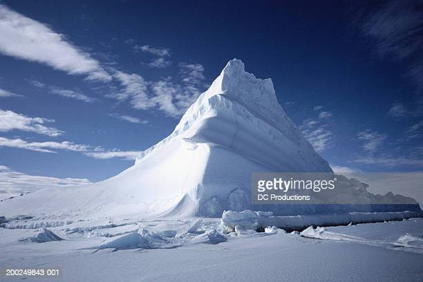 iceberg, baffin island, canada - berg stock pictures, royalty-free photos & images