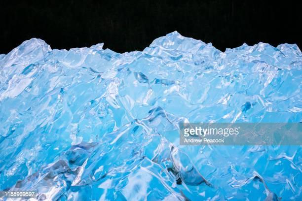 氷山の詳細 - iceberg ice formation ストックフォトと画像