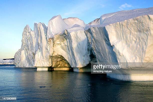 iceberg from ilulissat - ilulissat stock-fotos und bilder