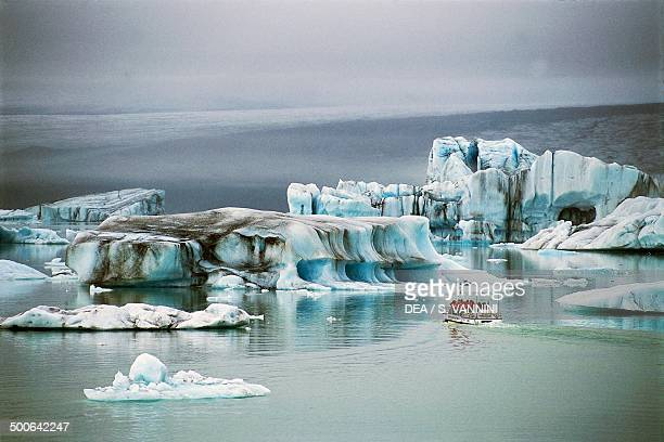Iceberg Lagoon formed by Breidamerkurjokull ice tongue of the Vatnajokull glacier AusturSkaftafellssysla Iceland