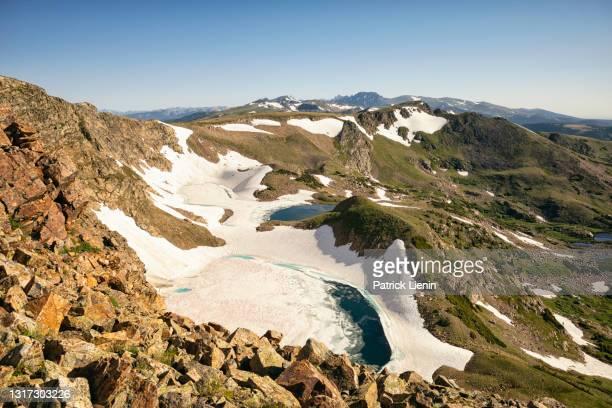 iceberg lakes in the james peak wilderness, colorado - clima alpino foto e immagini stock