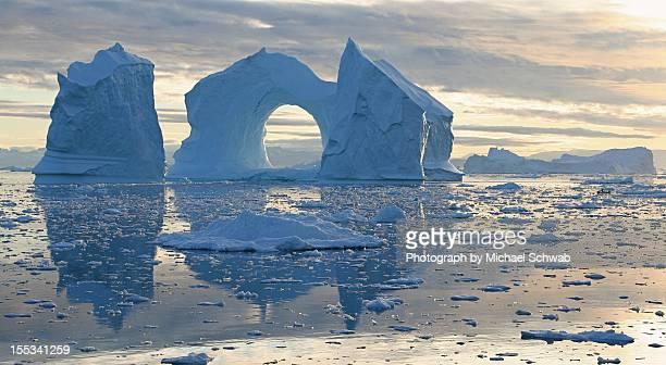 iceberg - ilulissat stock-fotos und bilder