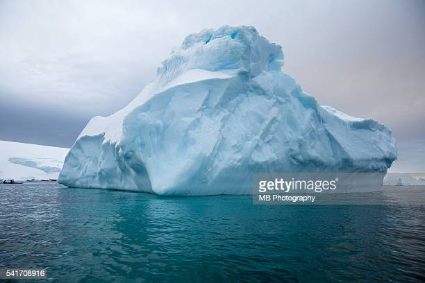 iceberg - berg stock pictures, royalty-free photos & images