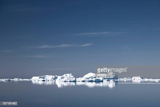 eisberg reflexion - mlenny stock-fotos und bilder
