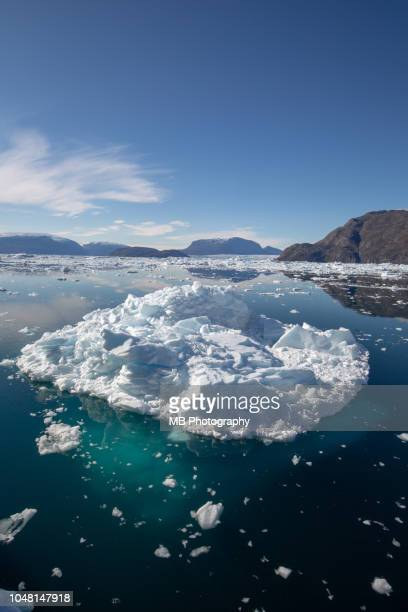 iceberg structure above and under water - drift ice stock pictures, royalty-free photos & images