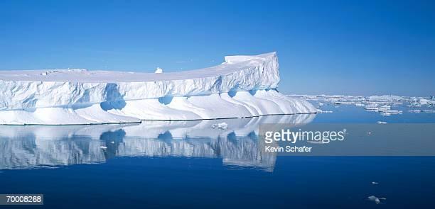 iceberg, weddell sea, antarctica - oceano antartico foto e immagini stock