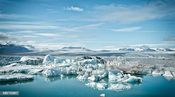 icebergs にグラマラスなヨークルサルロン - 氷河湖 ストックフォトと画像