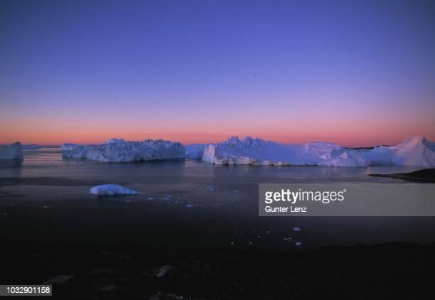 icebergs, kangia ice fjord, unesco world heritage site, ilulissat, greenland - ilulissat stock-fotos und bilder